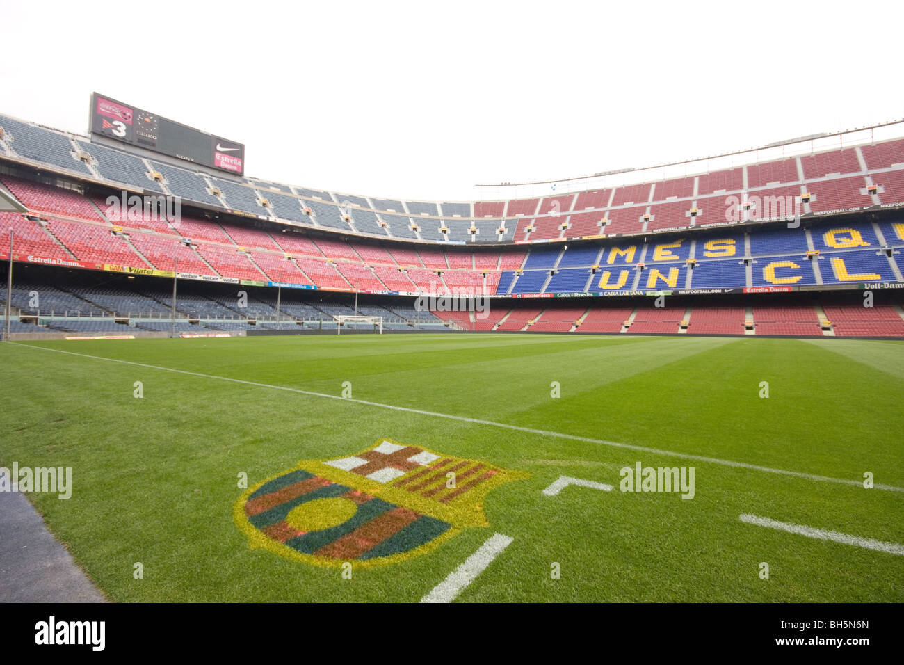 La vista all interno del Camp Nou 7a940e77769