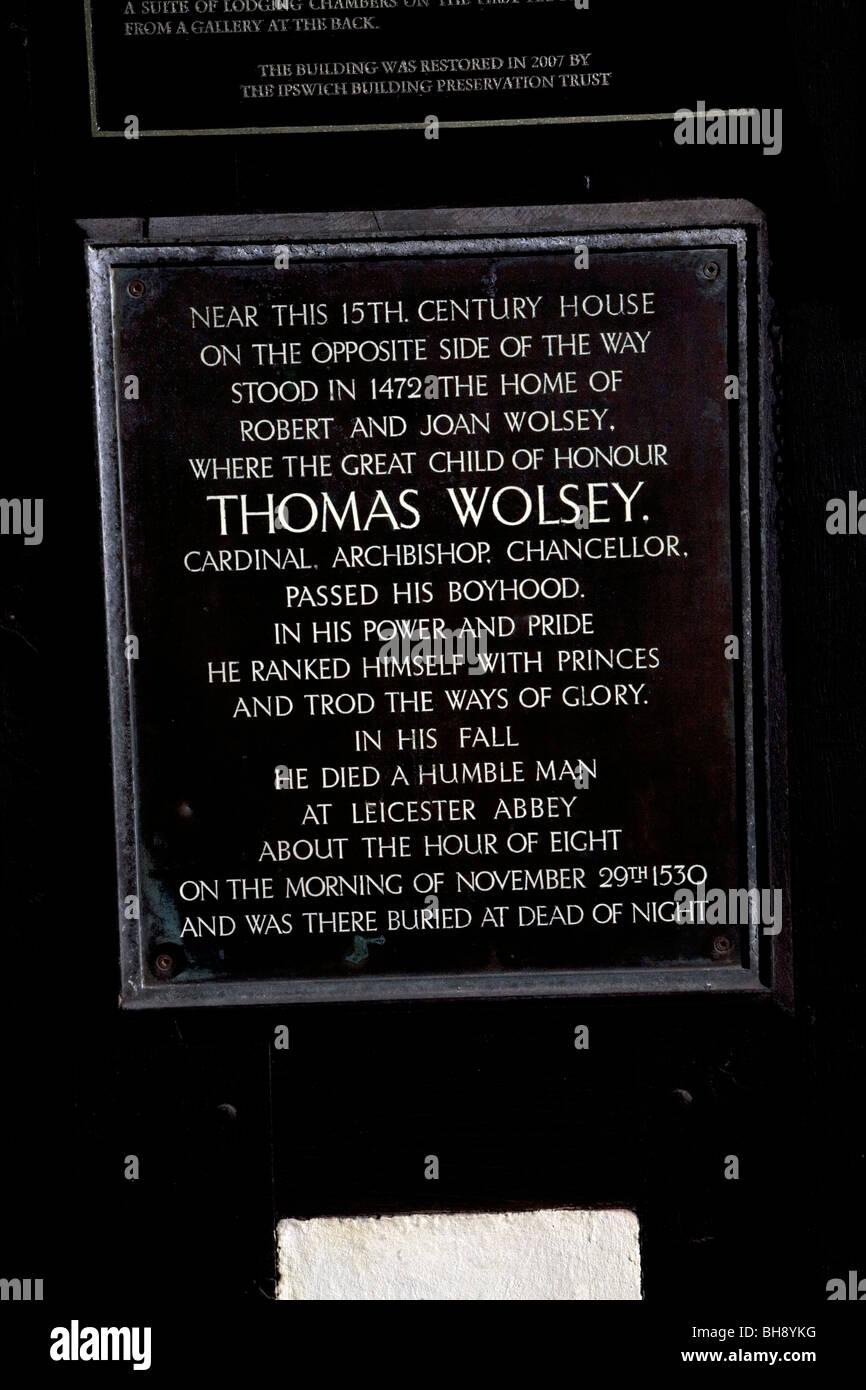 La placca per il luogo di nascita di Thomas Wolsey, Ipswich, Suffolk, Inghilterra Foto Stock