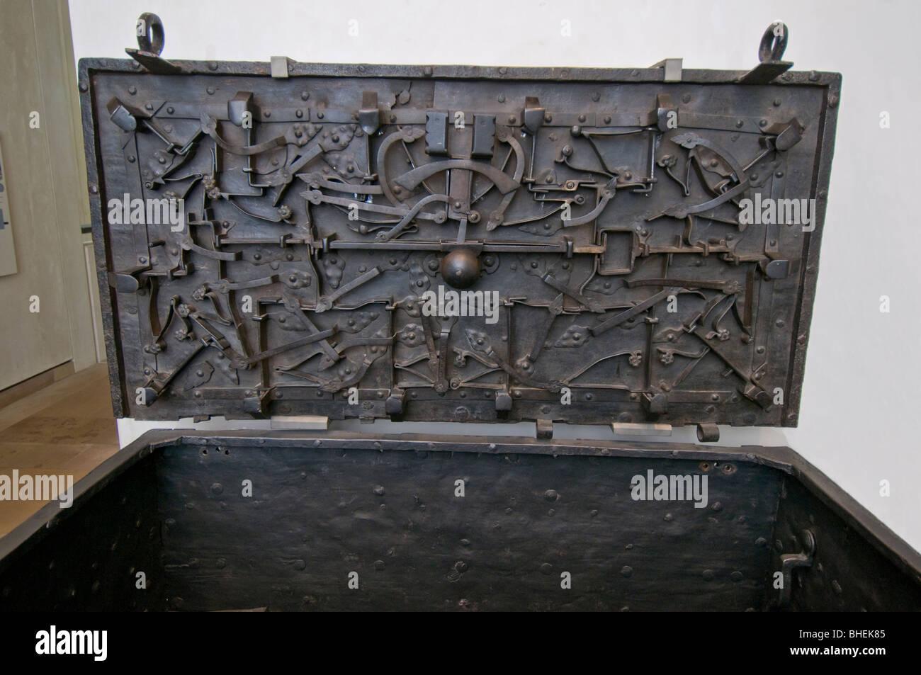 Il regime di Darien ferro torace denaro utilizzato dalla società di trading per la sicurezza SCO 6066 Immagini Stock