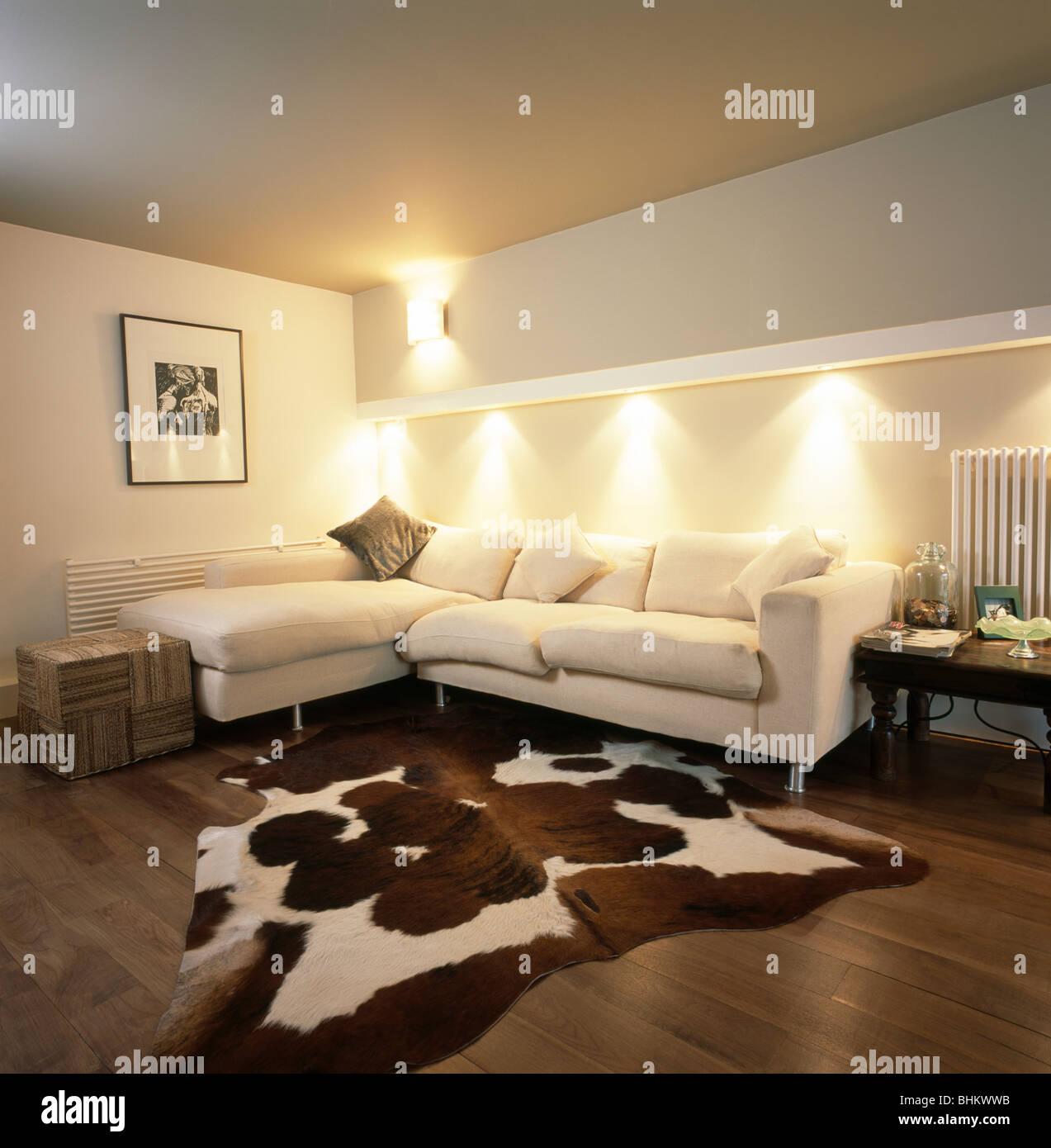 Cuoio artificiale Tappeto nel soggiorno moderno con down ...