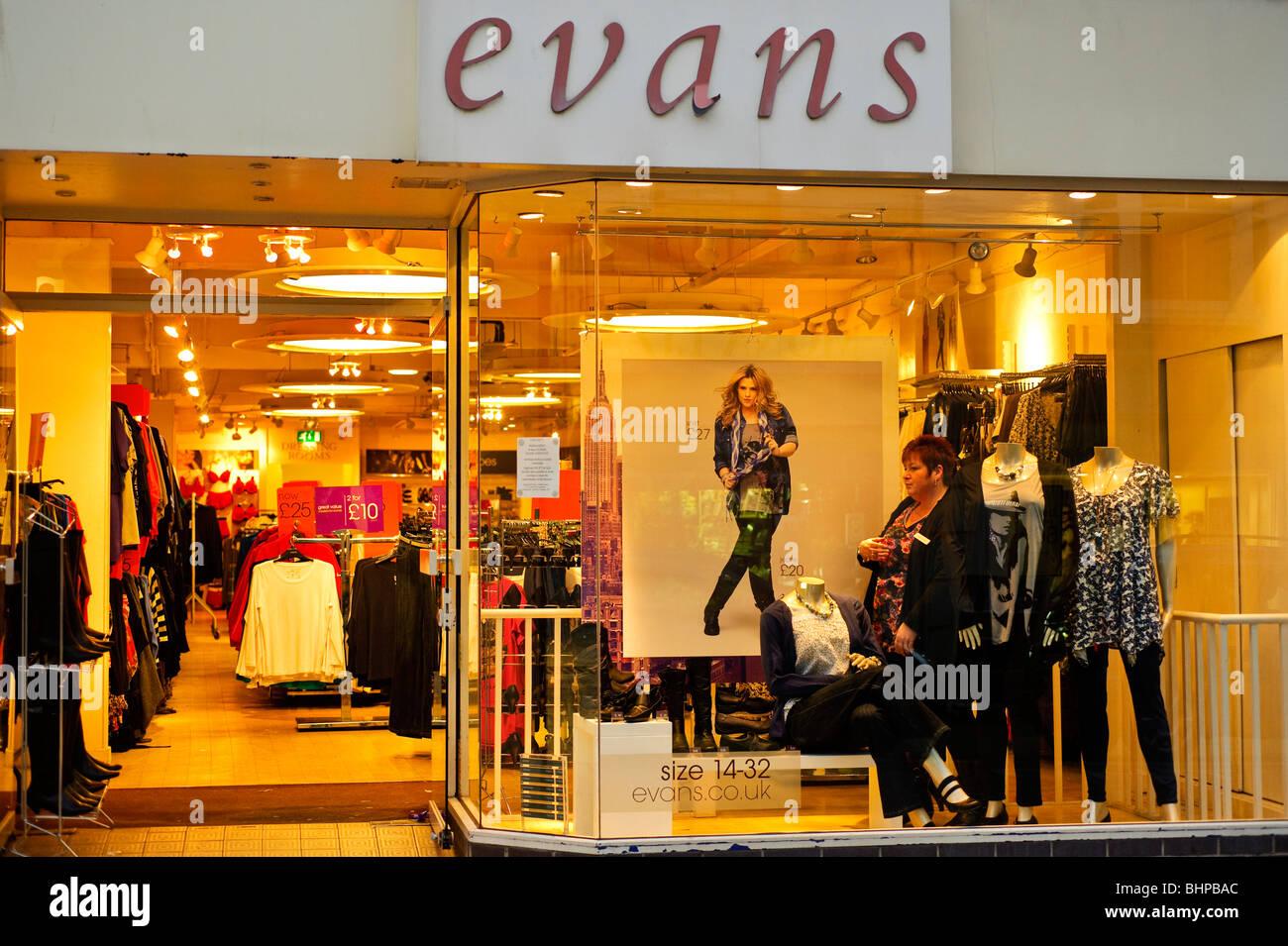Evans womens high street retail negozio di abbigliamento, REGNO UNITO Immagini Stock