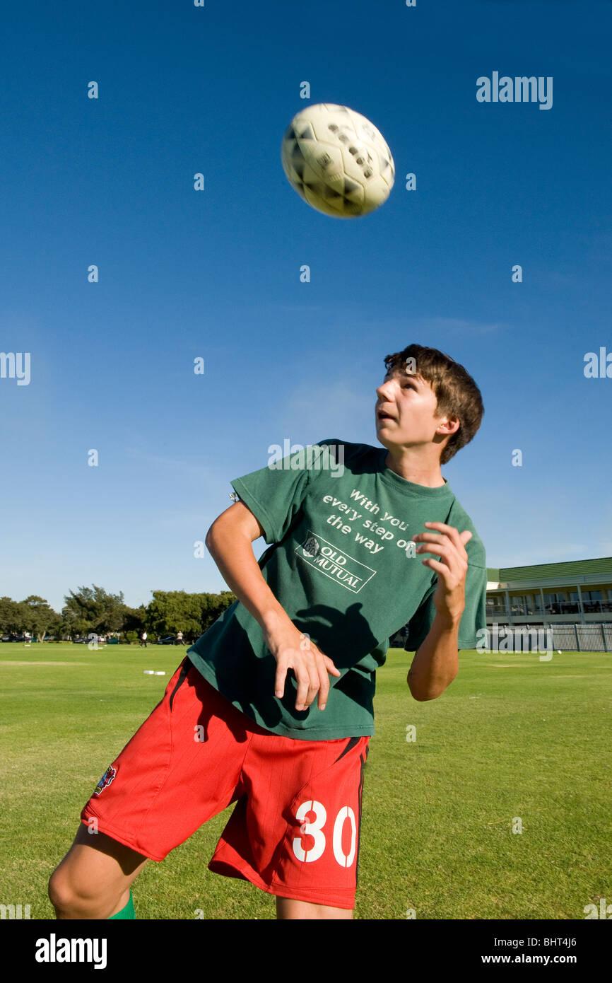 U 17 player formazione presso Old Mutual Accademia di calcio, Cape Town, Sud Africa Foto Stock
