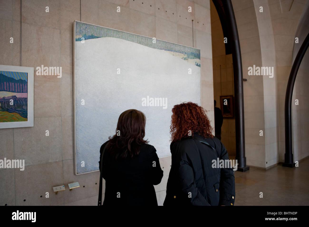 Parigi, Francia - all'interno del museo di Orsay, Donne Cercando moderno Post Impressionismo Pittura Immagini Stock