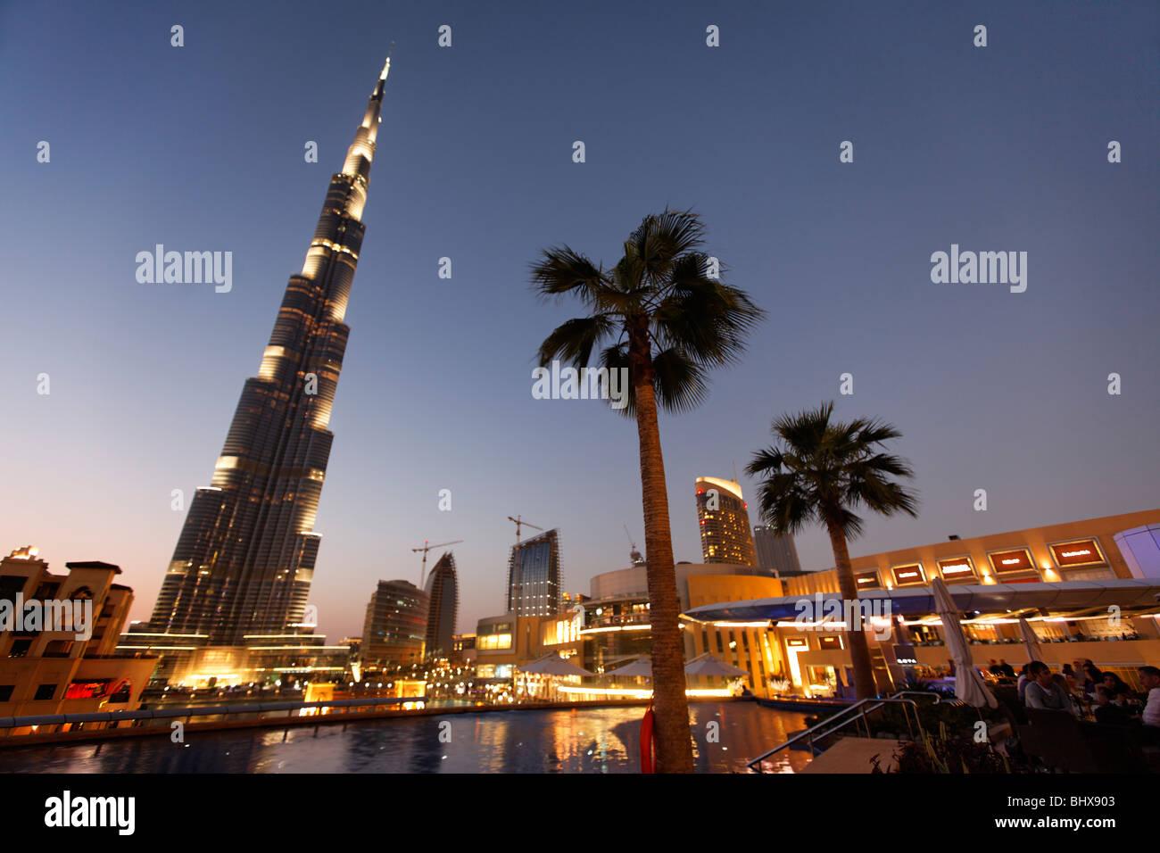 Il Burj Khalifa, skycraper più alta nel mondo, 828 metri, Burj Dubai, Centro commerciale di Dubai, Emirati Immagini Stock