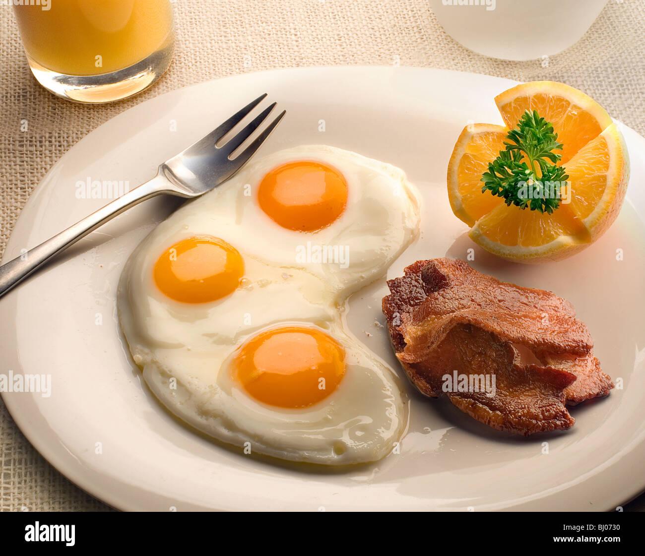 uova con pancetta Immagini Stock