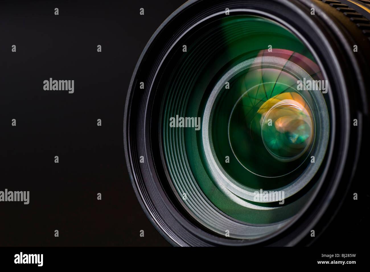 Obiettivo con lente riflessioni. Girato in studio. Immagini Stock