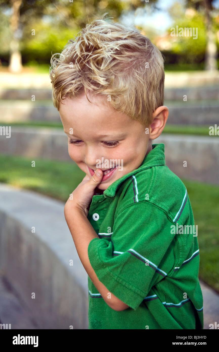 3-4 anno vecchio ragazzo. Signor © Myrleen Pearson Immagini Stock