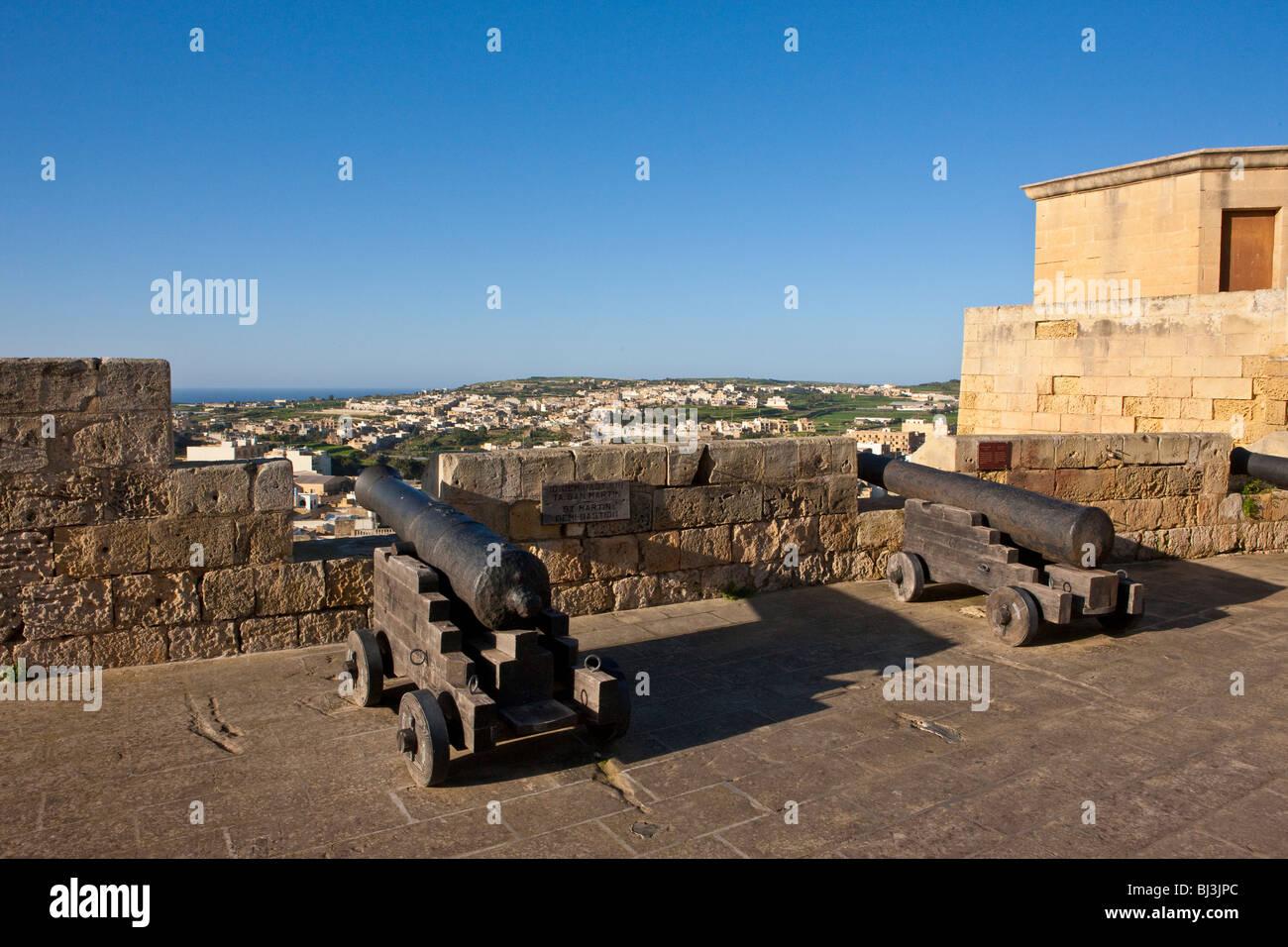 I cannoni della Cittadella o la Cittadella con il bastione St Martins, Victoria, Rabat, Gozo, Malta, Europa Immagini Stock