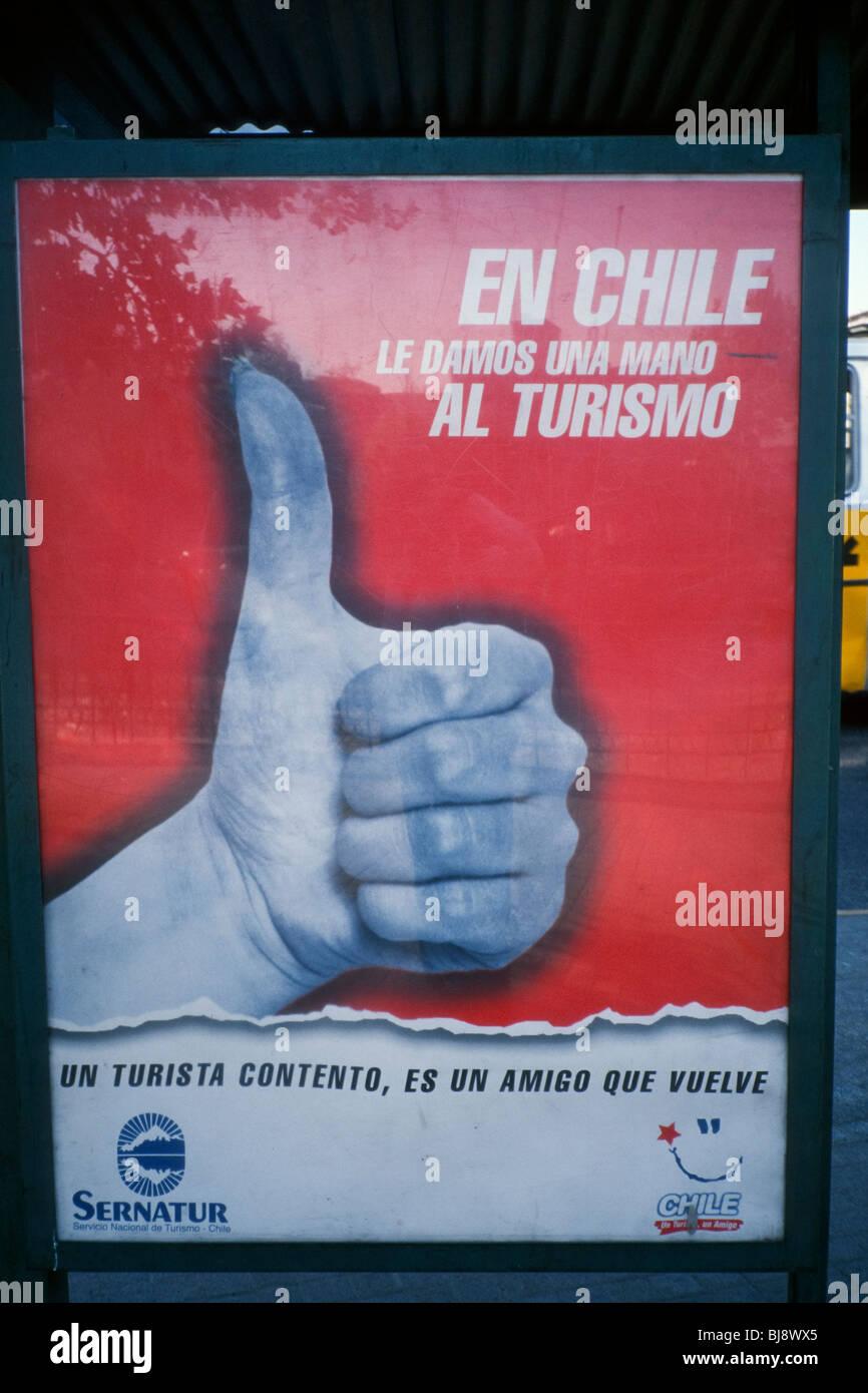 Santiago del Cile. Un poster da Sernatur (Servicio Nacional de Turismo, Cile) invitando la gente a essere gentili Immagini Stock