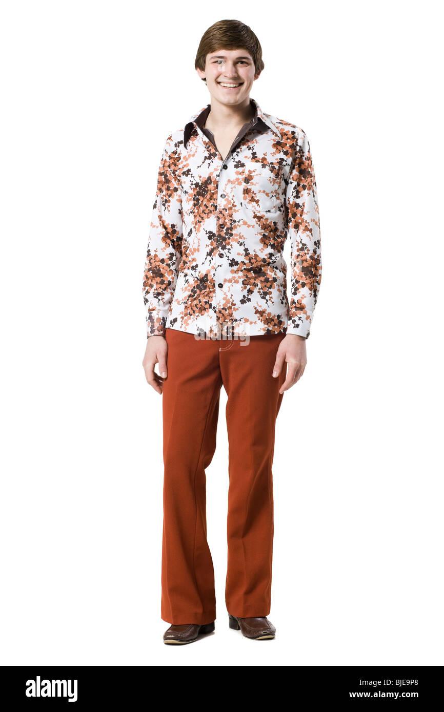 meticolosi processi di tintura acquisto genuino come comprare Uomo in abbigliamento retrò Foto & Immagine Stock: 28589184 ...