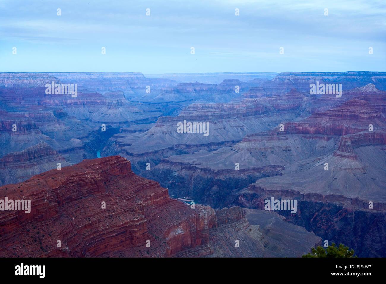 Il Grand Canyon e il fiume Colorado all'alba Immagini Stock