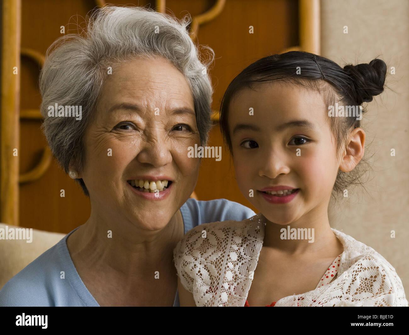 Nonna con nipote sorridente Immagini Stock