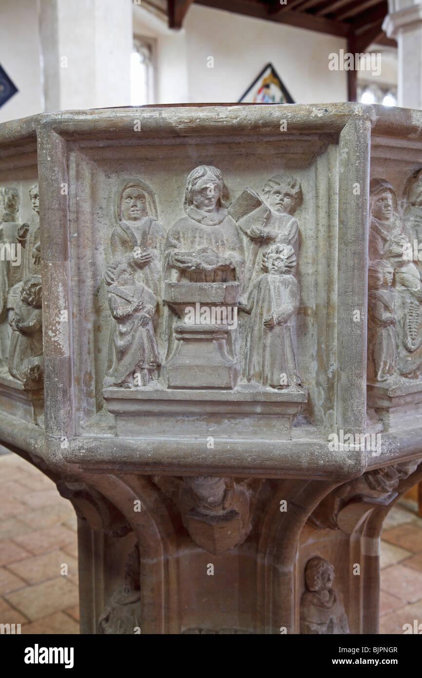 I sette Sacramenti Font, 1 il battesimo di San Bartolomeo è la Chiesa, Sloley, Norfolk Immagini Stock