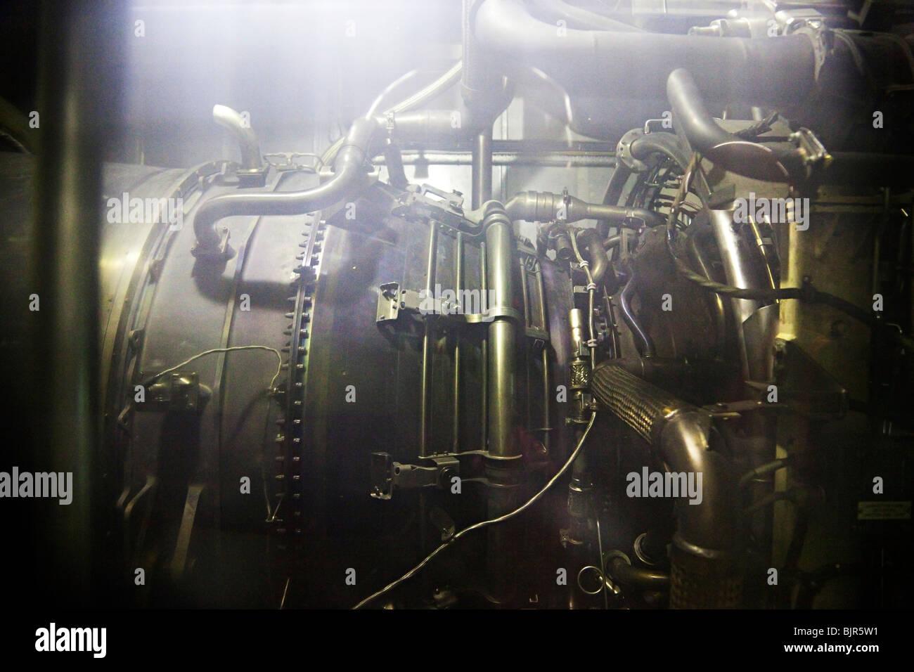 Motore a turbina a gas per la generazione di energia elettrica (centrale a ciclo combinato) Immagini Stock