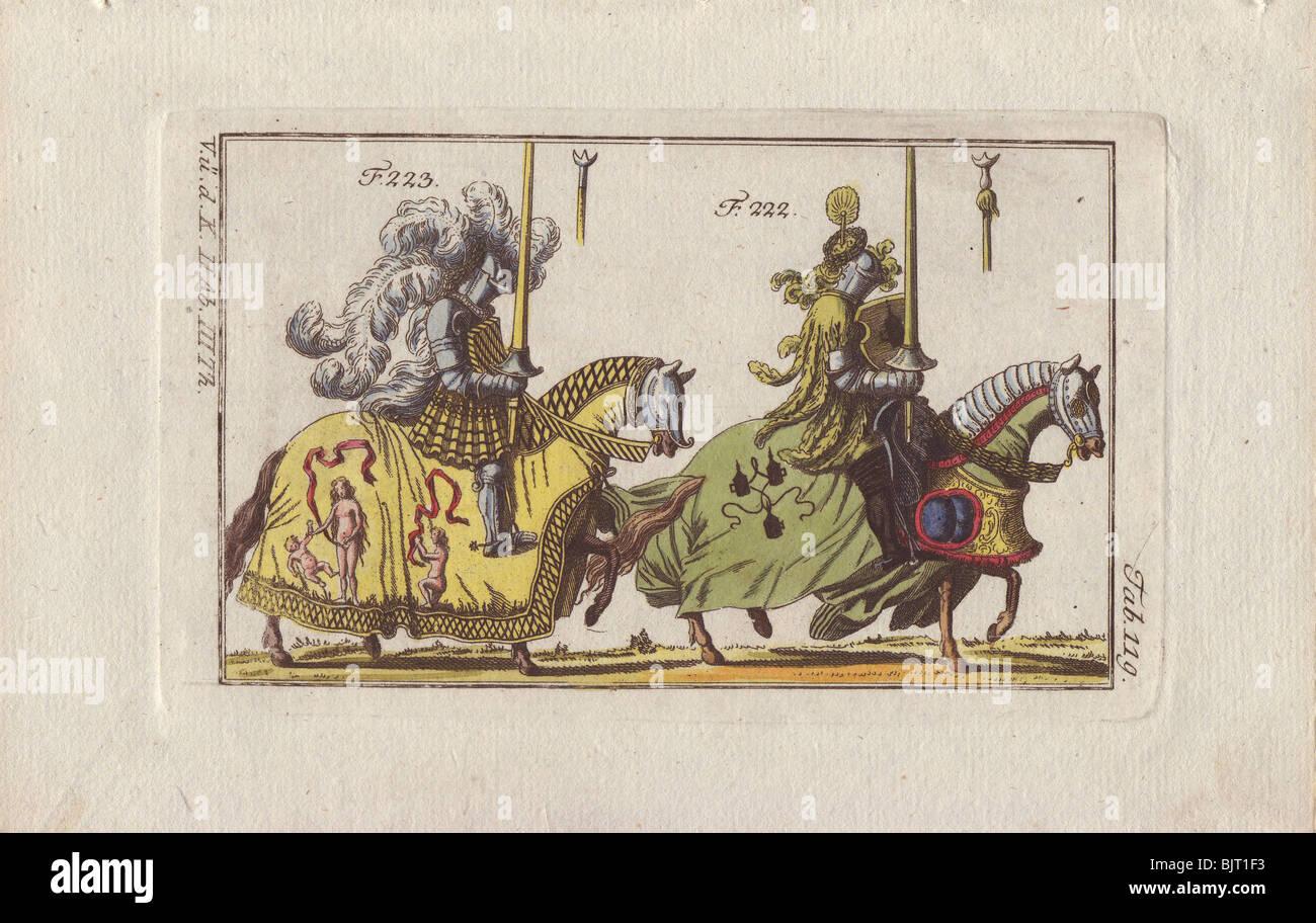 Montati due cavalieri in armatura per diversi tipi di tornei e tornei. Immagini Stock