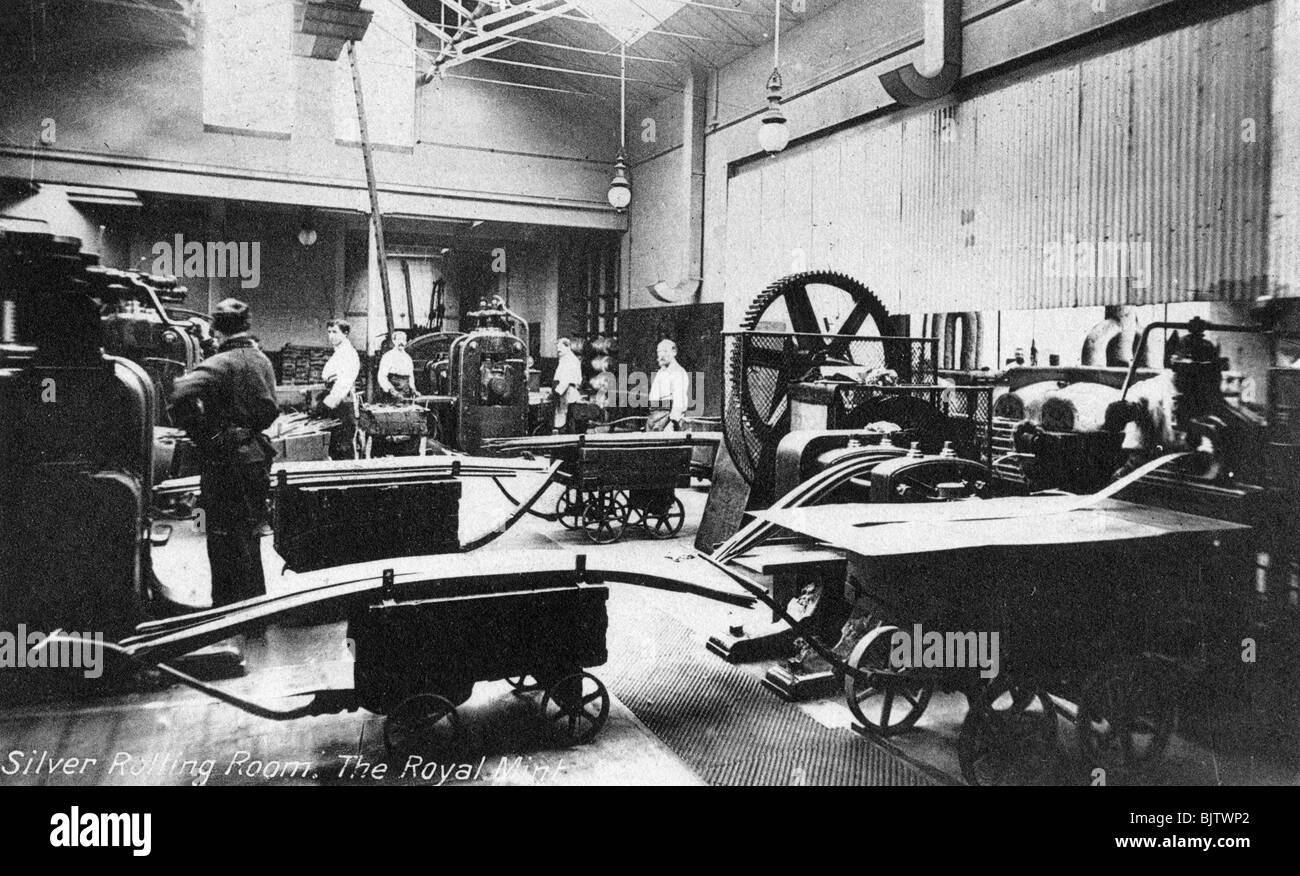 Il Silver camera di laminazione, il Royal Mint, Tower Hill, London, nei primi anni del XX secolo. Artista: sconosciuto Foto Stock