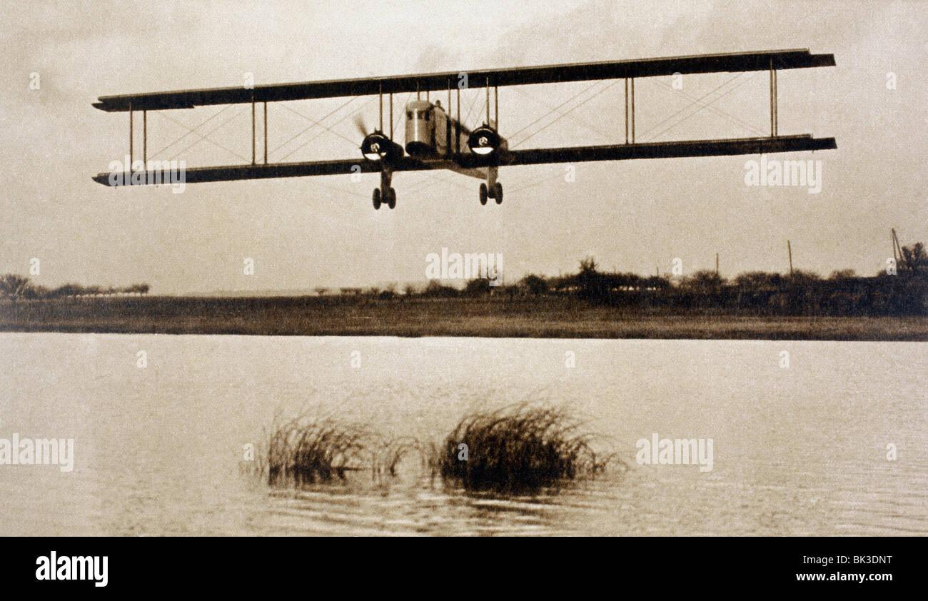 Il Farman F.60 Golia biplano passeggero con posti a sedere per dodici passeggeri in volo. Immagini Stock