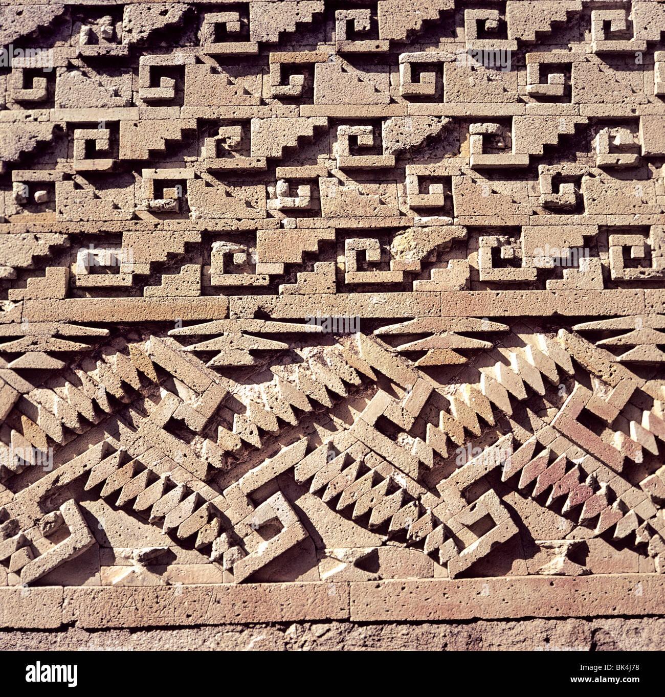 Dettaglio Di Un Muro Sulla Sala Delle Colonne Che Mostrano Una Greca Decorativa Pattern Muratura In Pietra Mitla Messico Foto Stock Alamy
