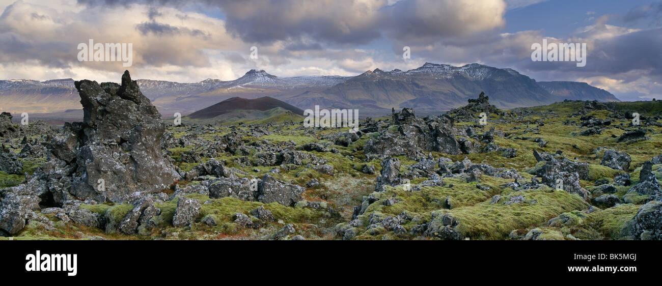 I campi di lava Snaefellsnes Peninsula, Islanda, regioni polari Immagini Stock