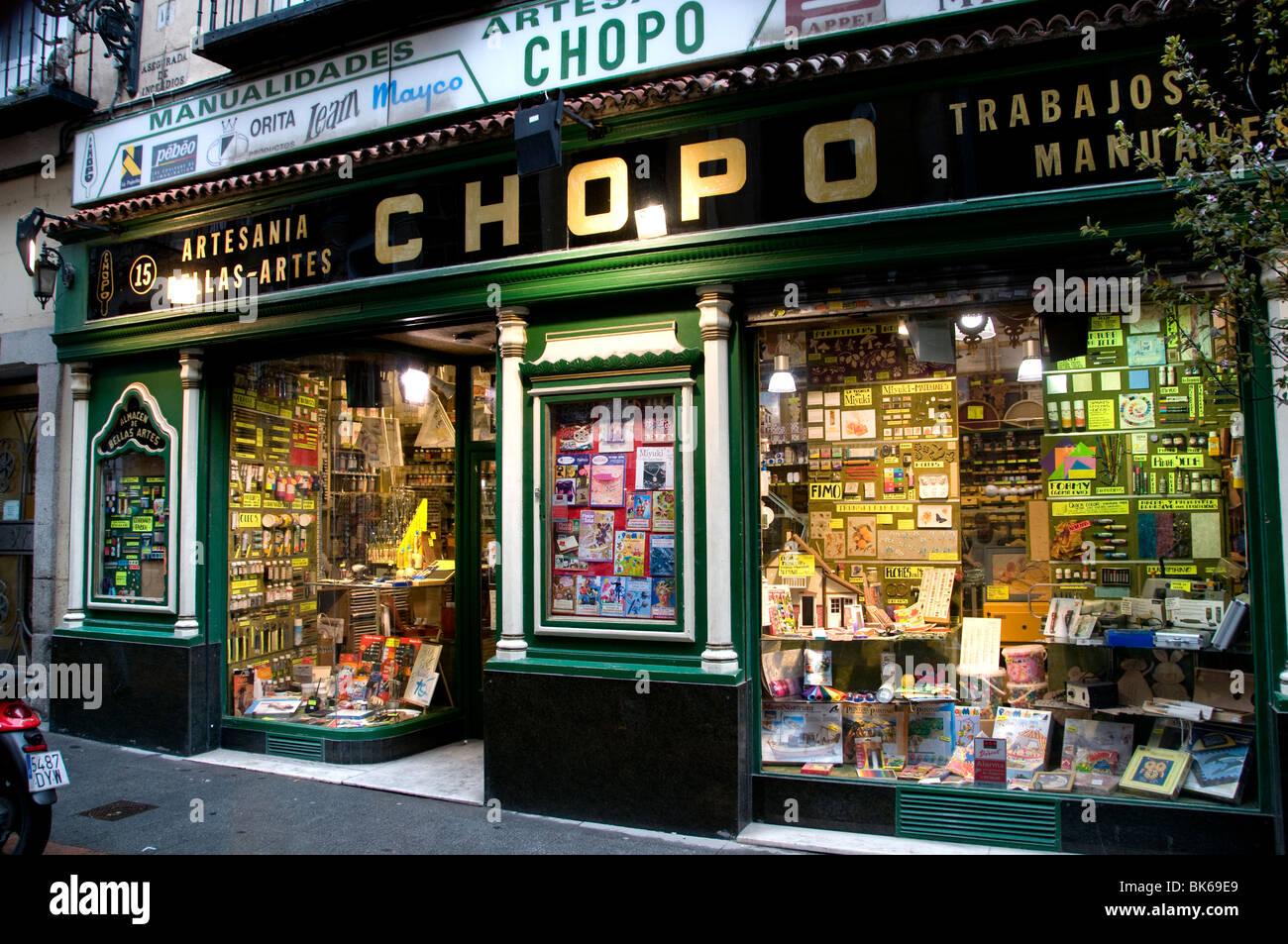 Chopo Vecchia Madrid Spagna spagnolo di arti industriali artigianato pittura Paint shop pittore Immagini Stock