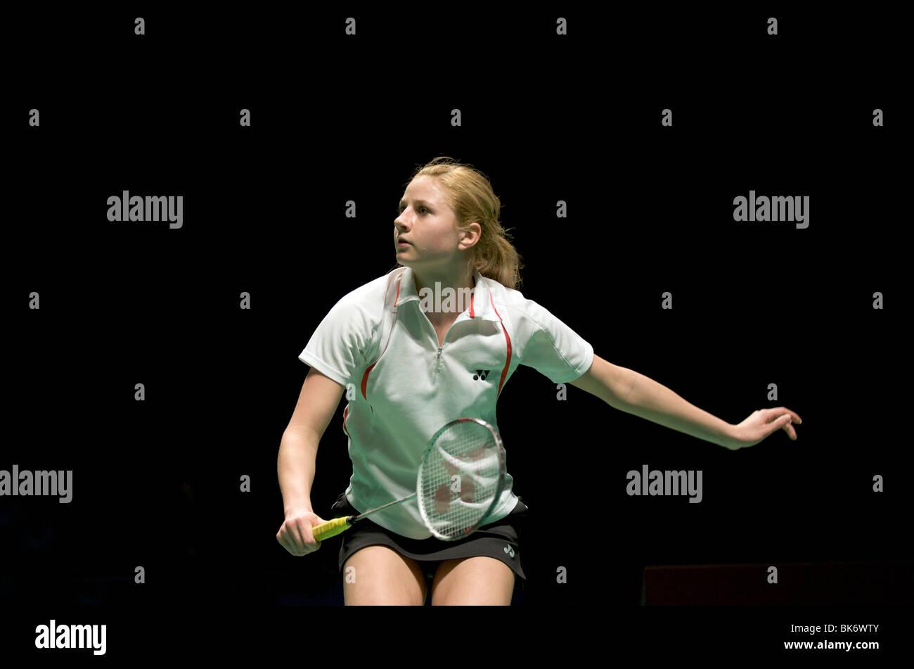 Anna Narel si prepara a ricevere un servizio a livello europeo Badminton Championships di Mancester 2010 Immagini Stock