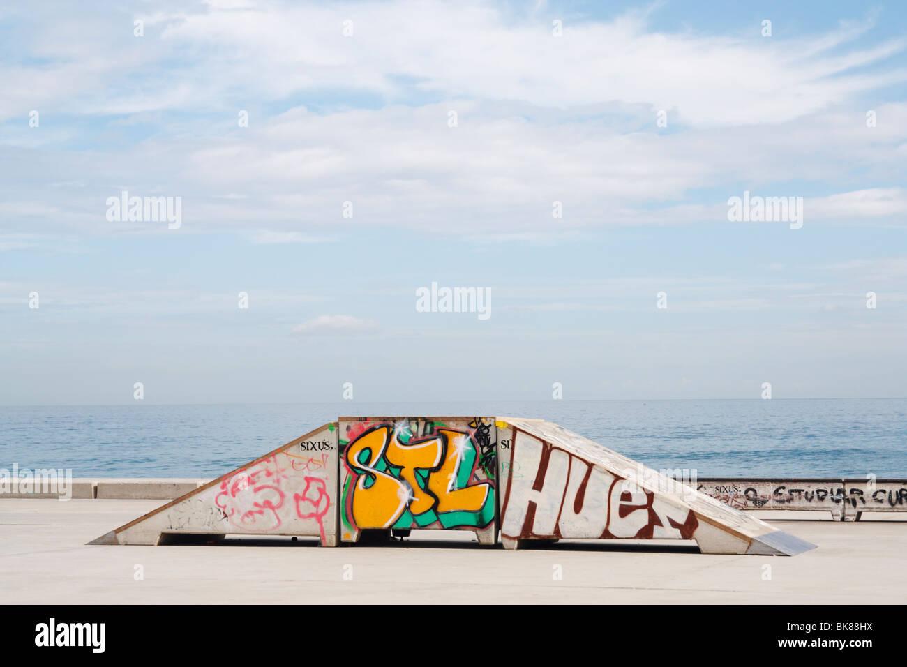 Skateboard park vicino al mare a Las Palmas di Gran Canaria Immagini Stock