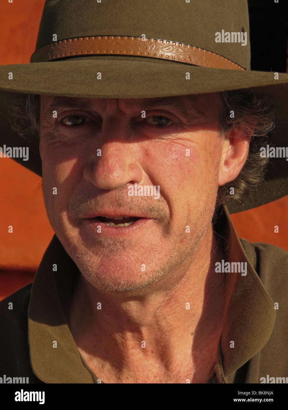 Tipico maschio australiano indossando un cappello Episteme Immagini Stock
