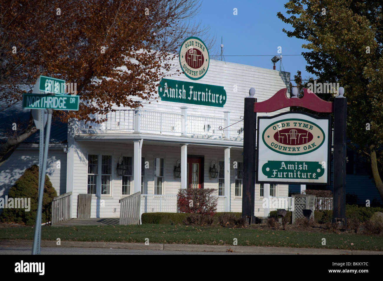 Old Tyme Paese Amish Oak Furniture Store in Shipshewana, Indiana Immagini Stock