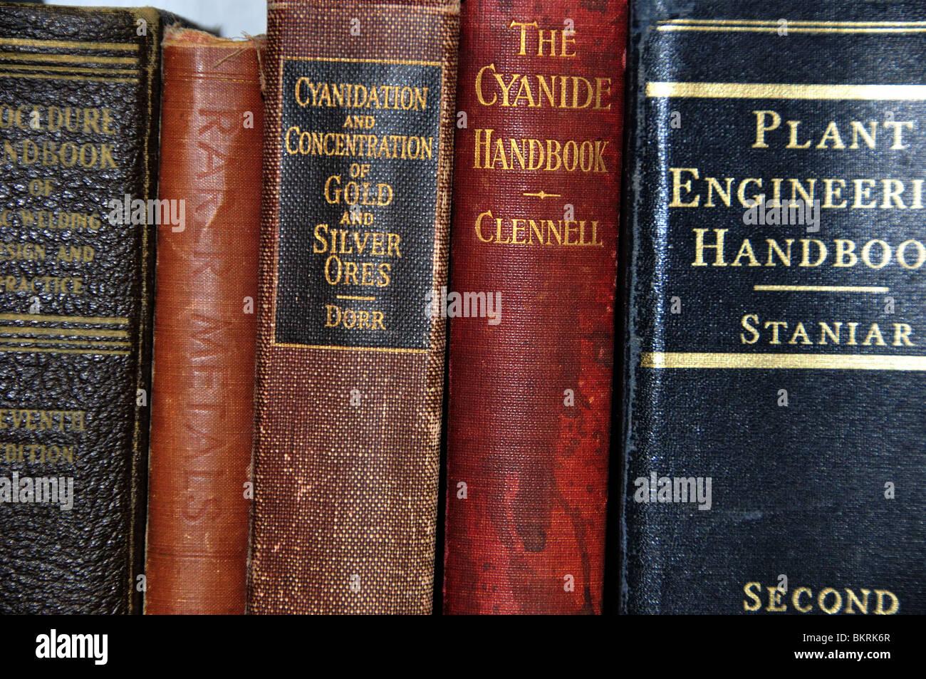 Vecchio Ingegneria Mineraria Libri Immagini Stock