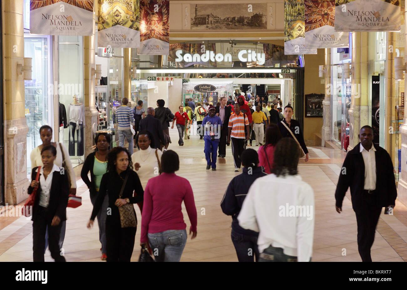 Sandton City Hotel di lusso e il complesso Shopping di Sandton, sobborgo di Johannesburg, Sud Africa Immagini Stock