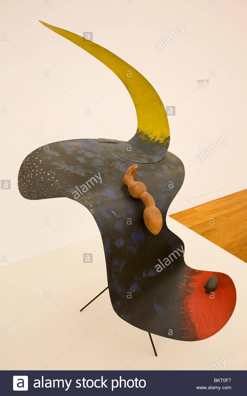 Scultura di Alexander Calder violoncello su un mandrino,1937,museo d'arte,,Kunsthaus di Zurigo, Svizzera Immagini Stock