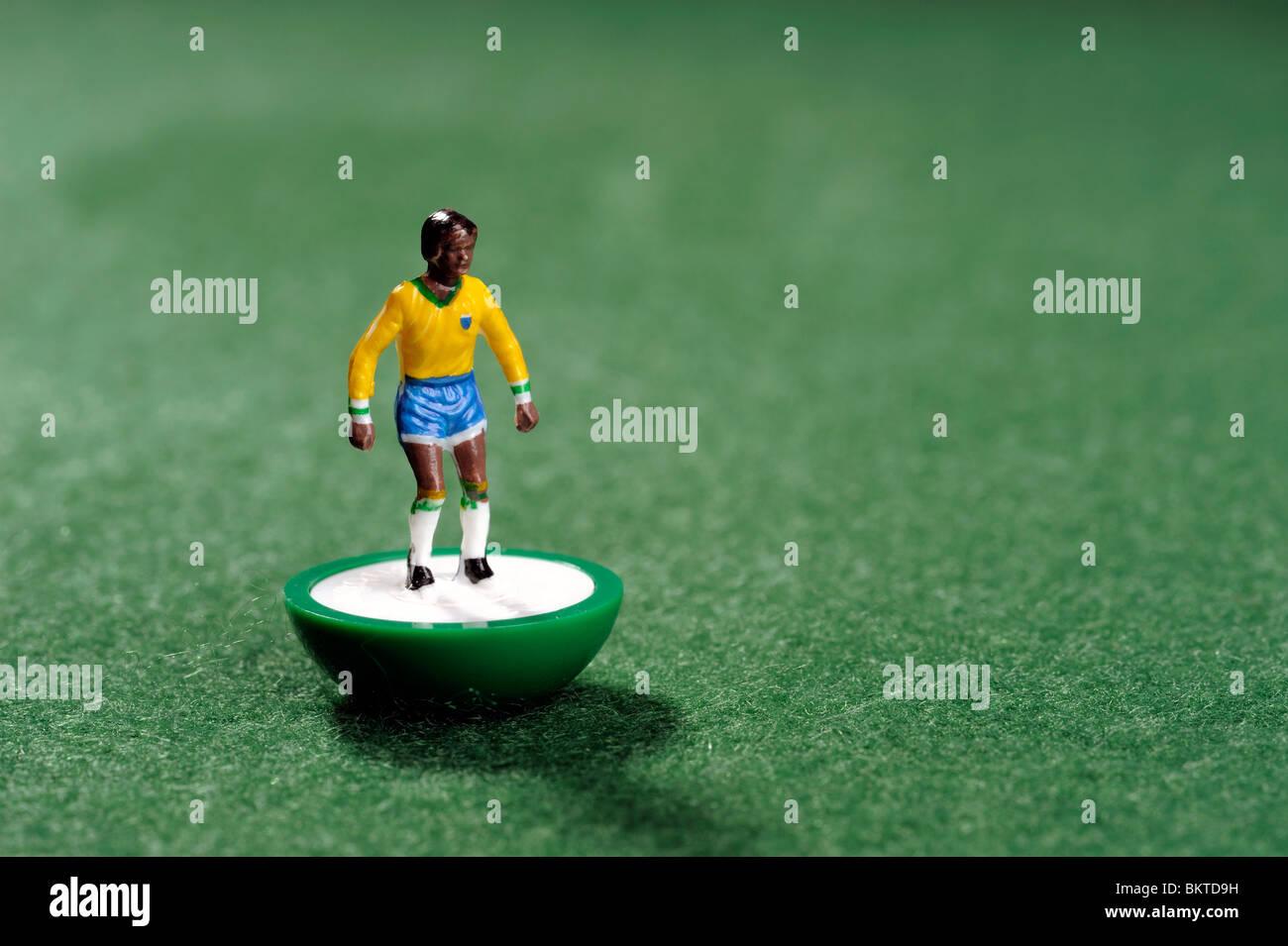 Il Brasile di coppa del mondo di calcio Subbuteo® player Immagini Stock