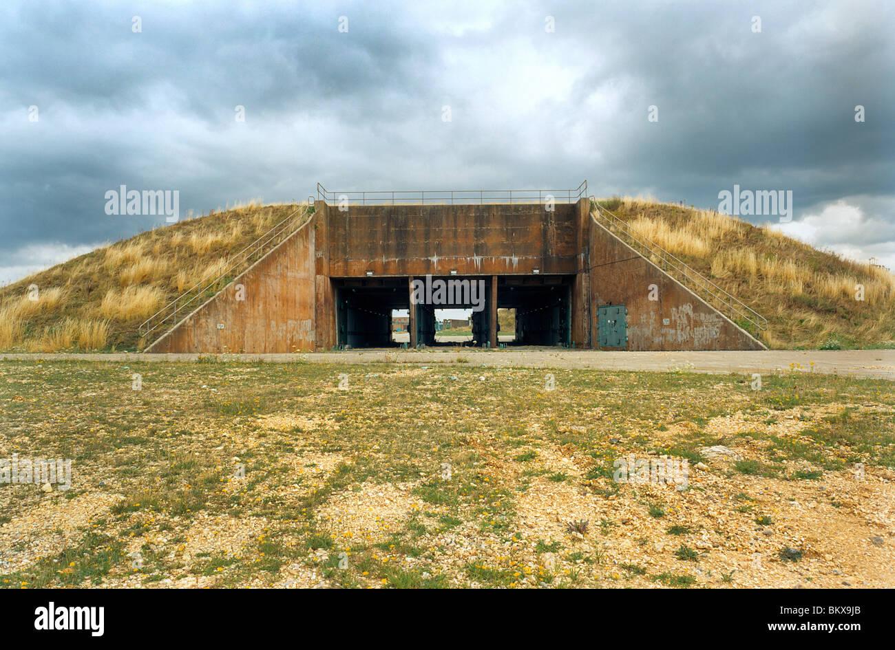 RAF Greenham Common in disuso missile nucleare Silos sulla zona gama di base. Edificio 704 Lancio del centro di Immagini Stock