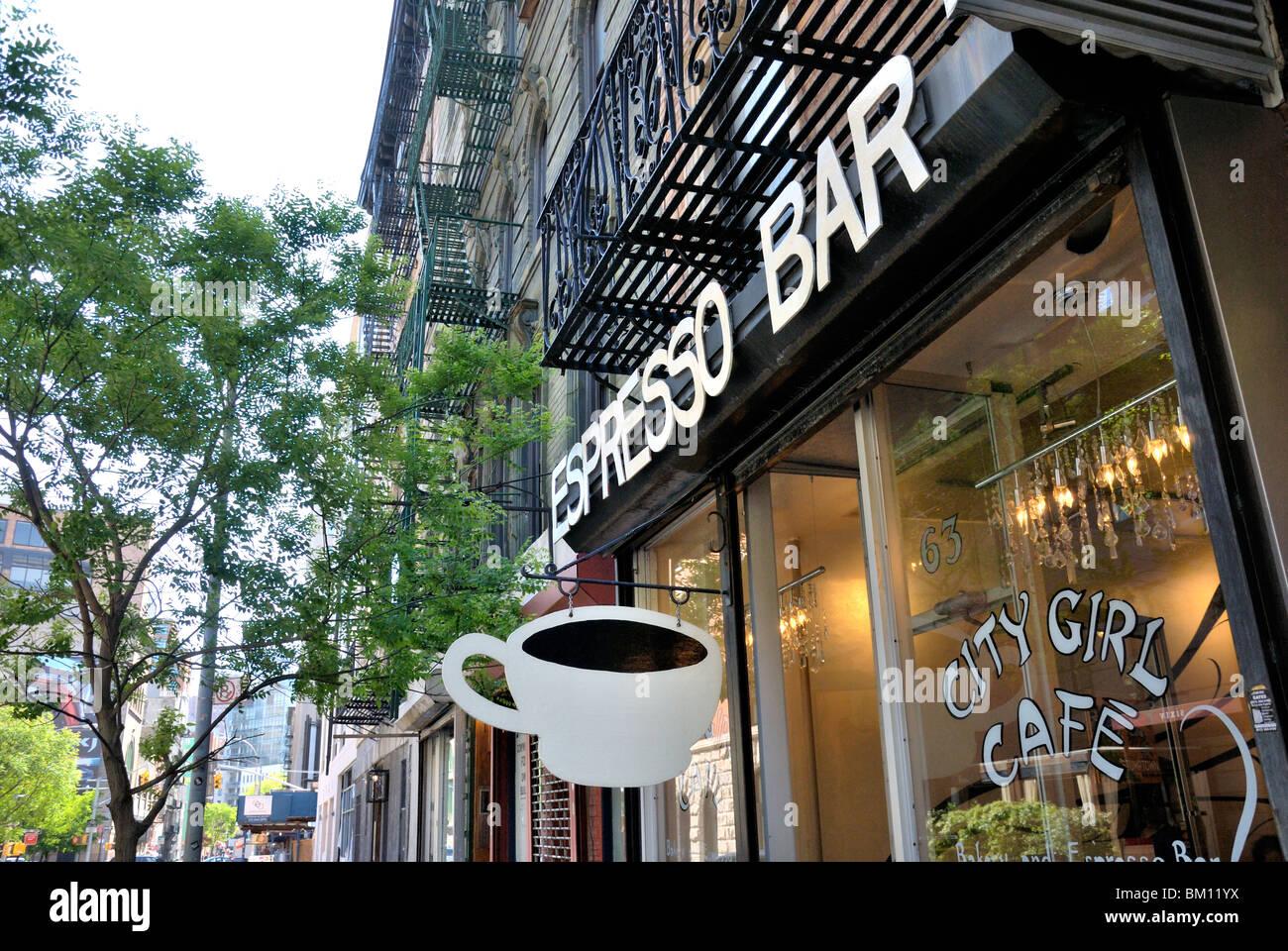 Un caffè bar in Lower Manhattan, New York City. Foto Stock