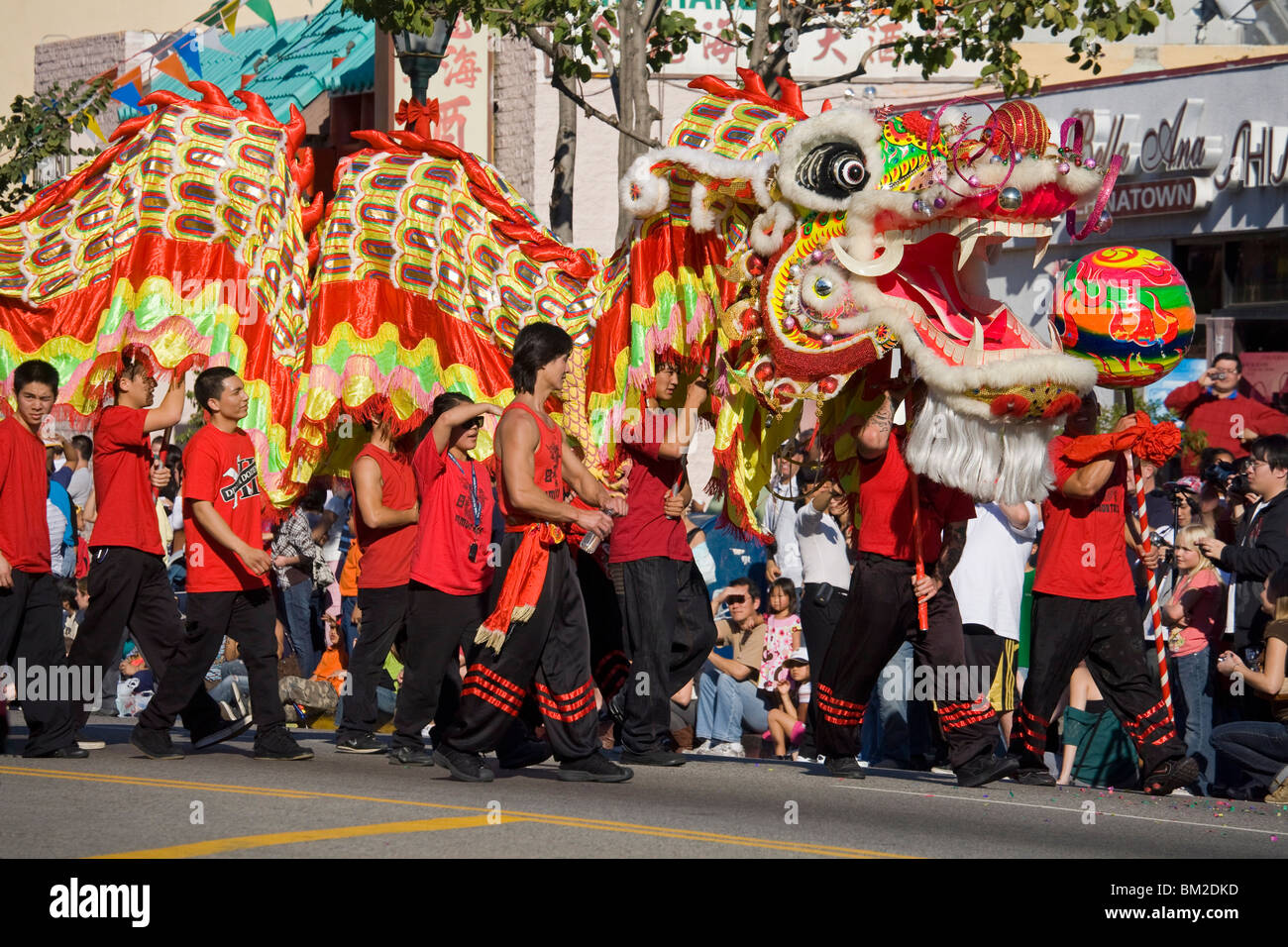 Golden Dragon Parade, Nuovo Anno Cinese Festival, Chinatown, Los Angeles, California, Stati Uniti d'America Immagini Stock