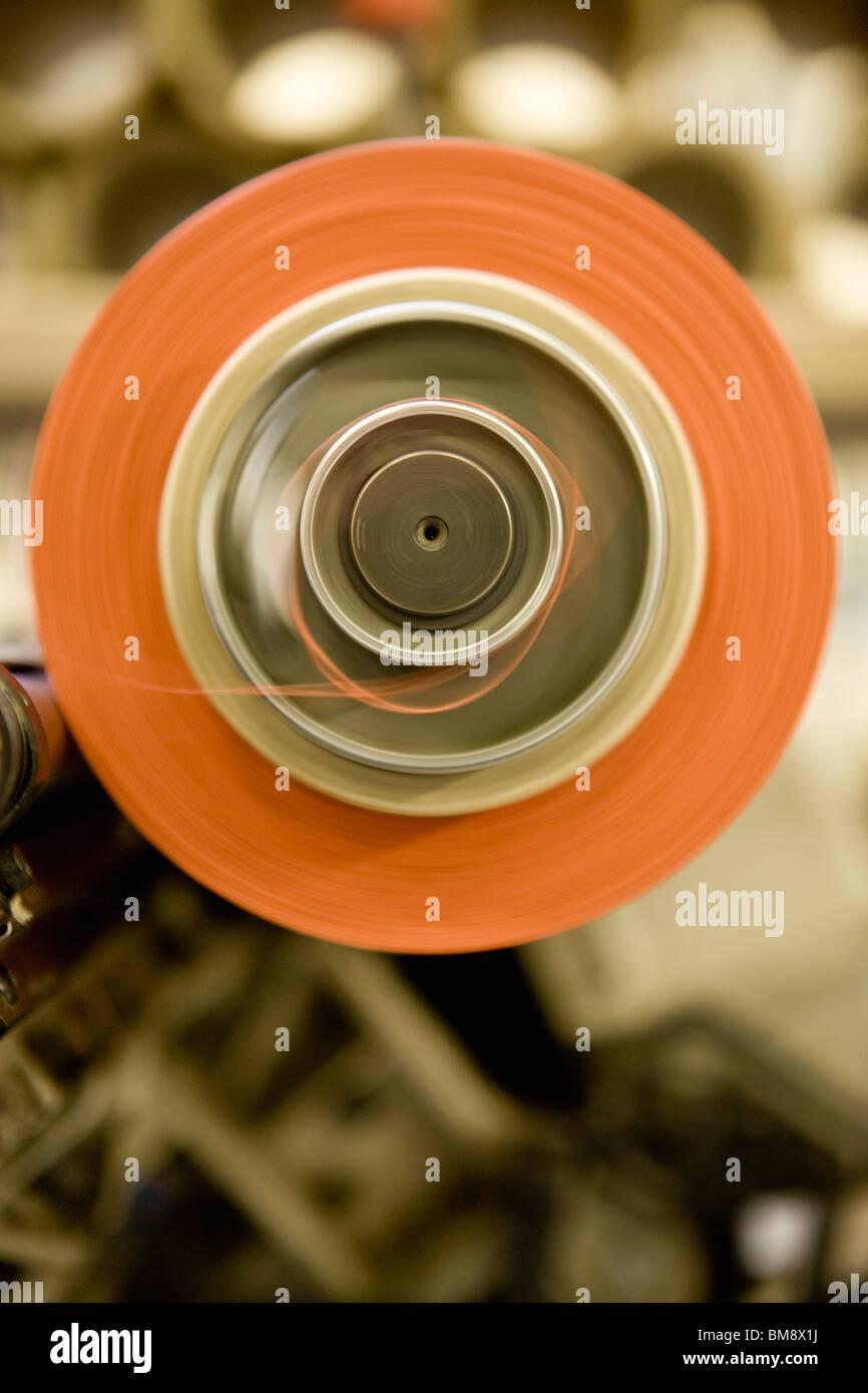 Riciclabile tessile composito di reparto di fabbricazione di fabbrica, filettatura macchina di rivestimento Immagini Stock
