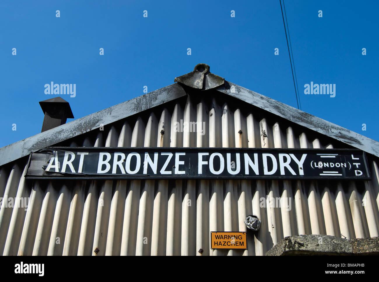 Ferro corrugato esterno dellarte fonderia di bronzo, sabbie fine ...