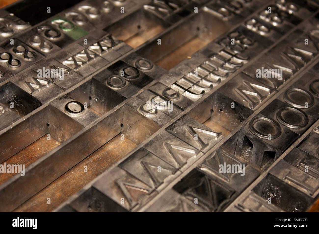 Portare la stampa tipografica alfabeto Immagini Stock