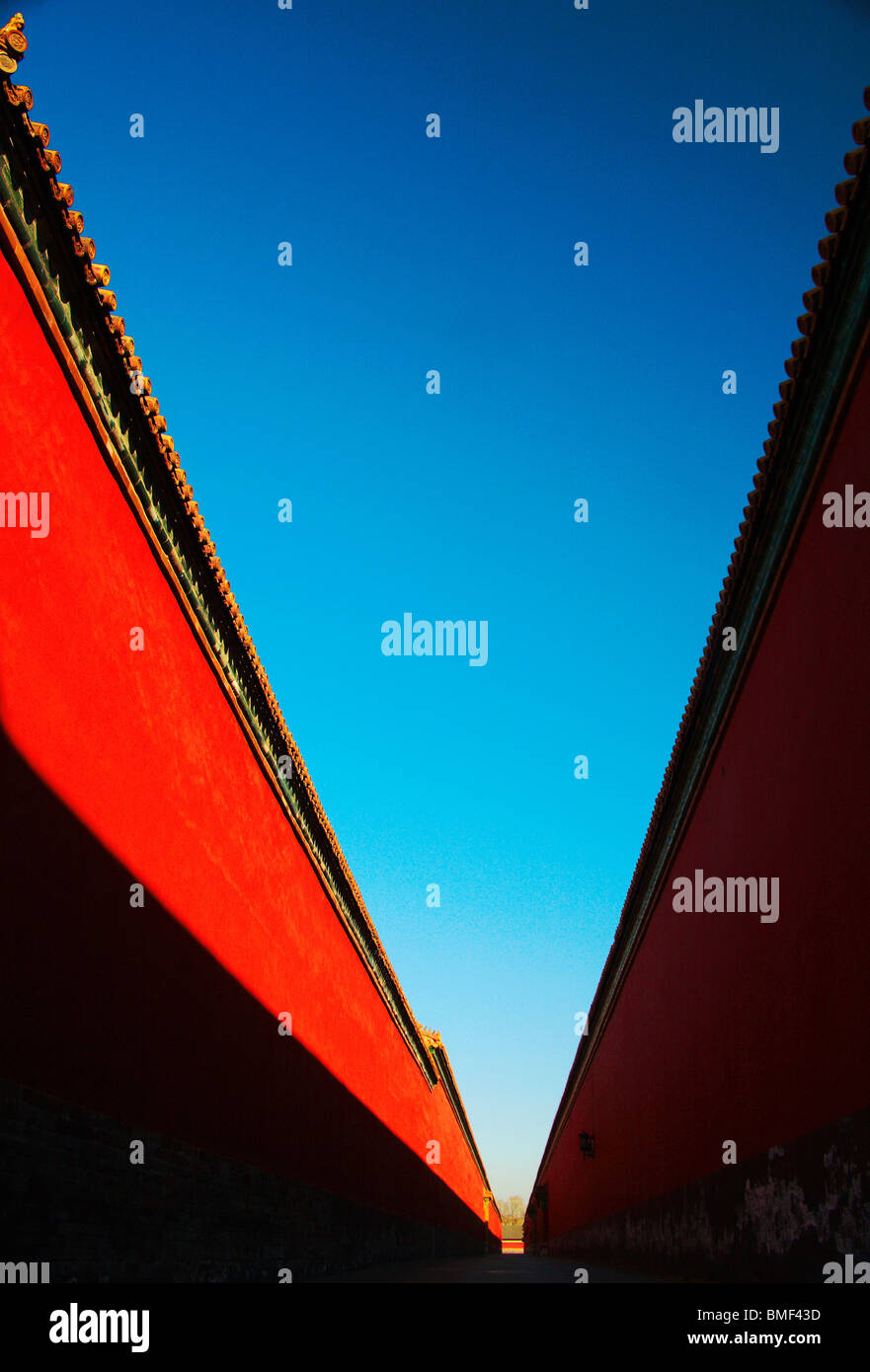 Rosso parete del palazzo della Città Proibita di Pechino, Cina Foto Stock