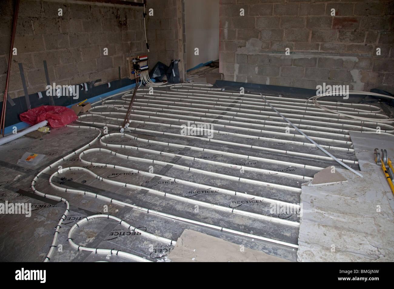 Riscaldamento A Pavimento Tubi installazione di impianti di riscaldamento a pavimento i