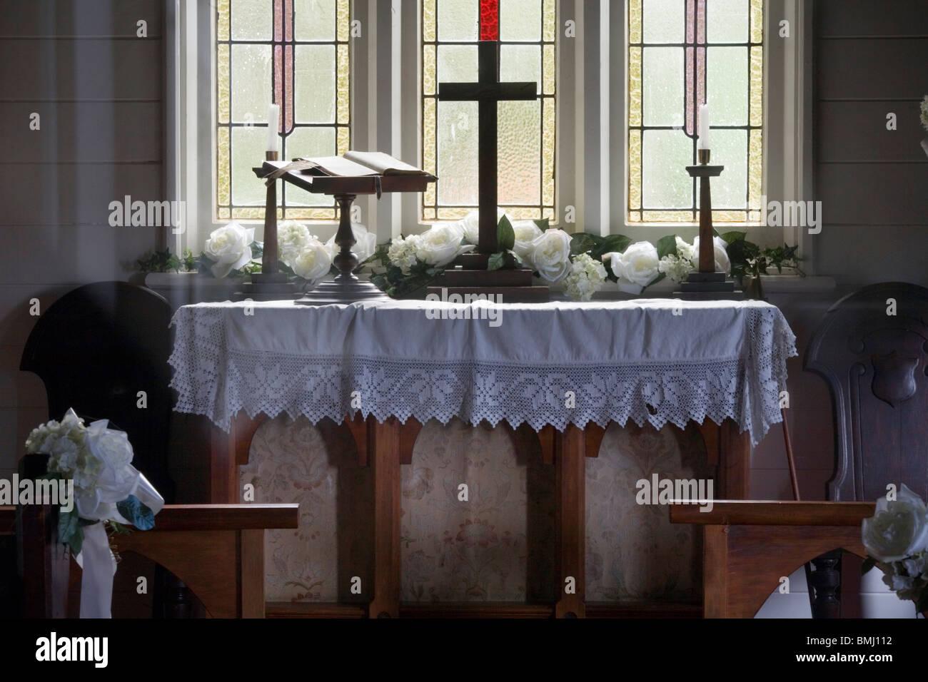 Matrimonio In Nuova Zelanda : Altare in un classico stile vecchia cappella per matrimoni