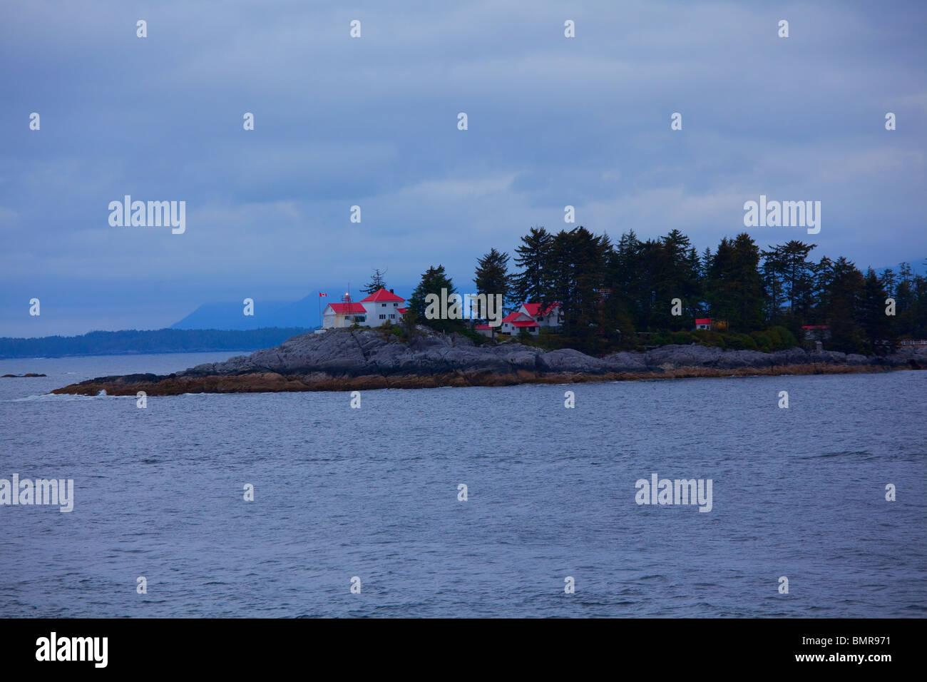 L'avorio Island Lighthouse vicino a Bella Bella, British Columbia, Canada Immagini Stock