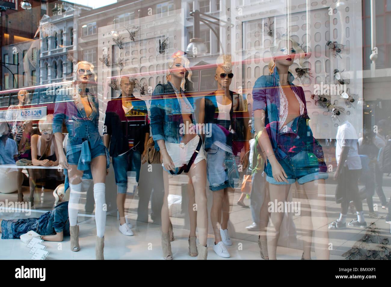 Zara Shop London Immagini & Zara Shop London Fotos Stock Alamy