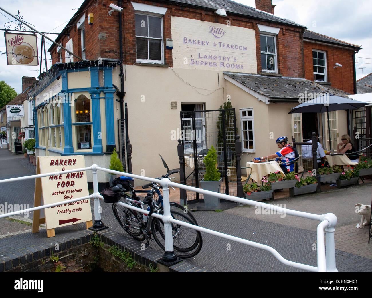"""Il Hampshire Stockbridge High Street è stato votato """"Migliore buongustai street' NEL REGNO UNITO, Immagini Stock"""