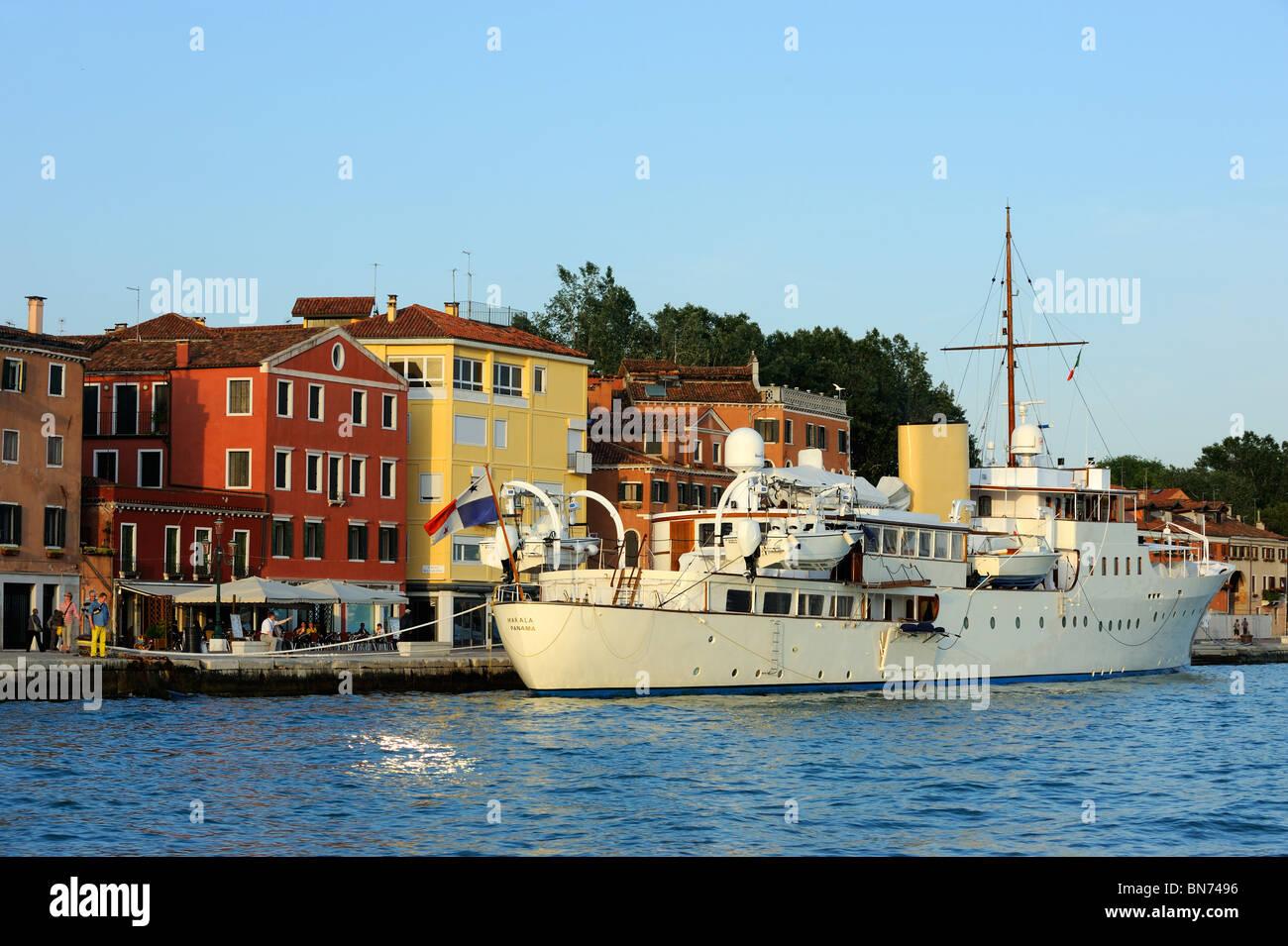 La MV Marala ormeggiata sulla Riva dei Sette Martri a Venezia, Italia Immagini Stock