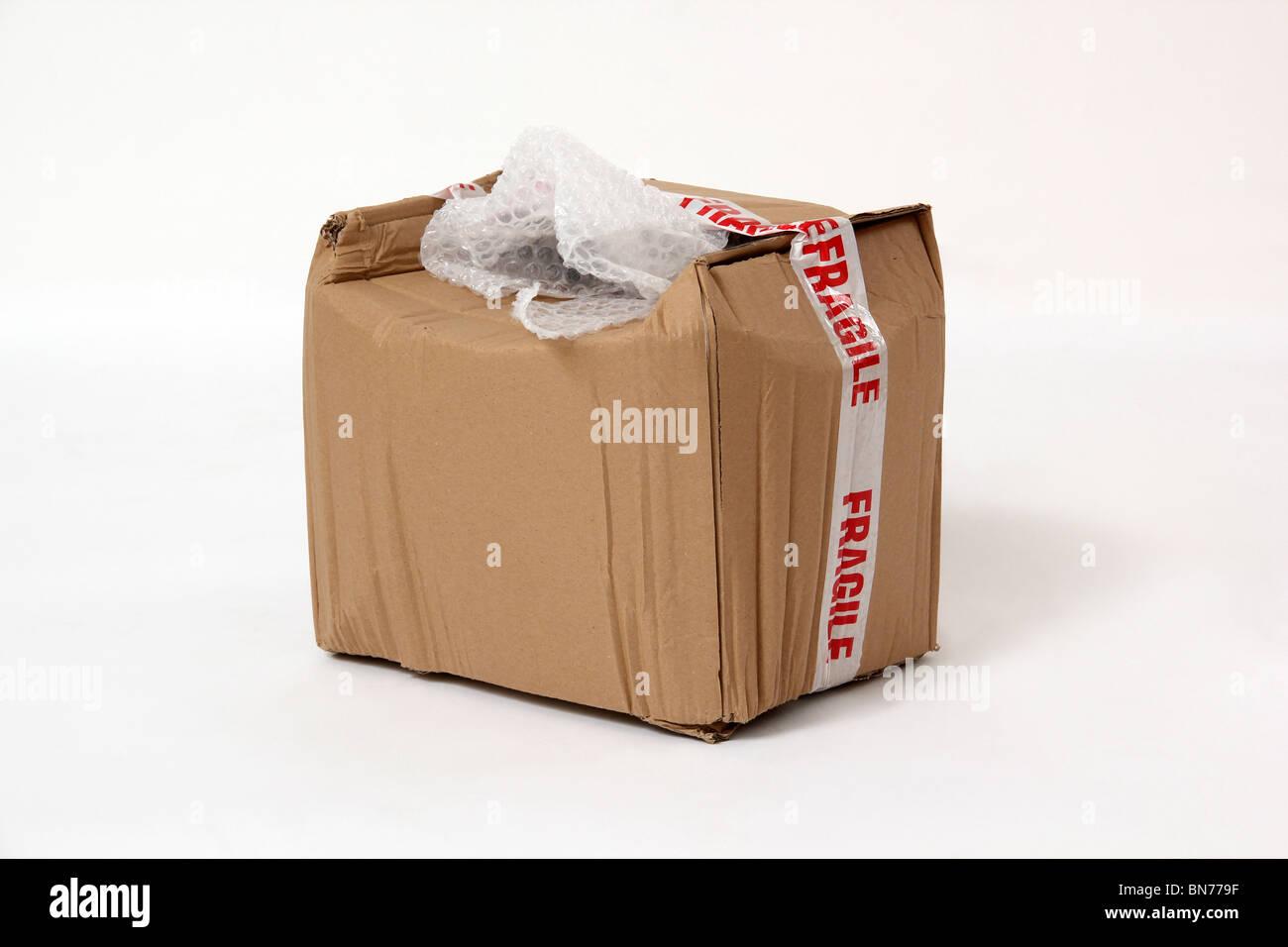 Danneggiato il pacco fragile Immagini Stock