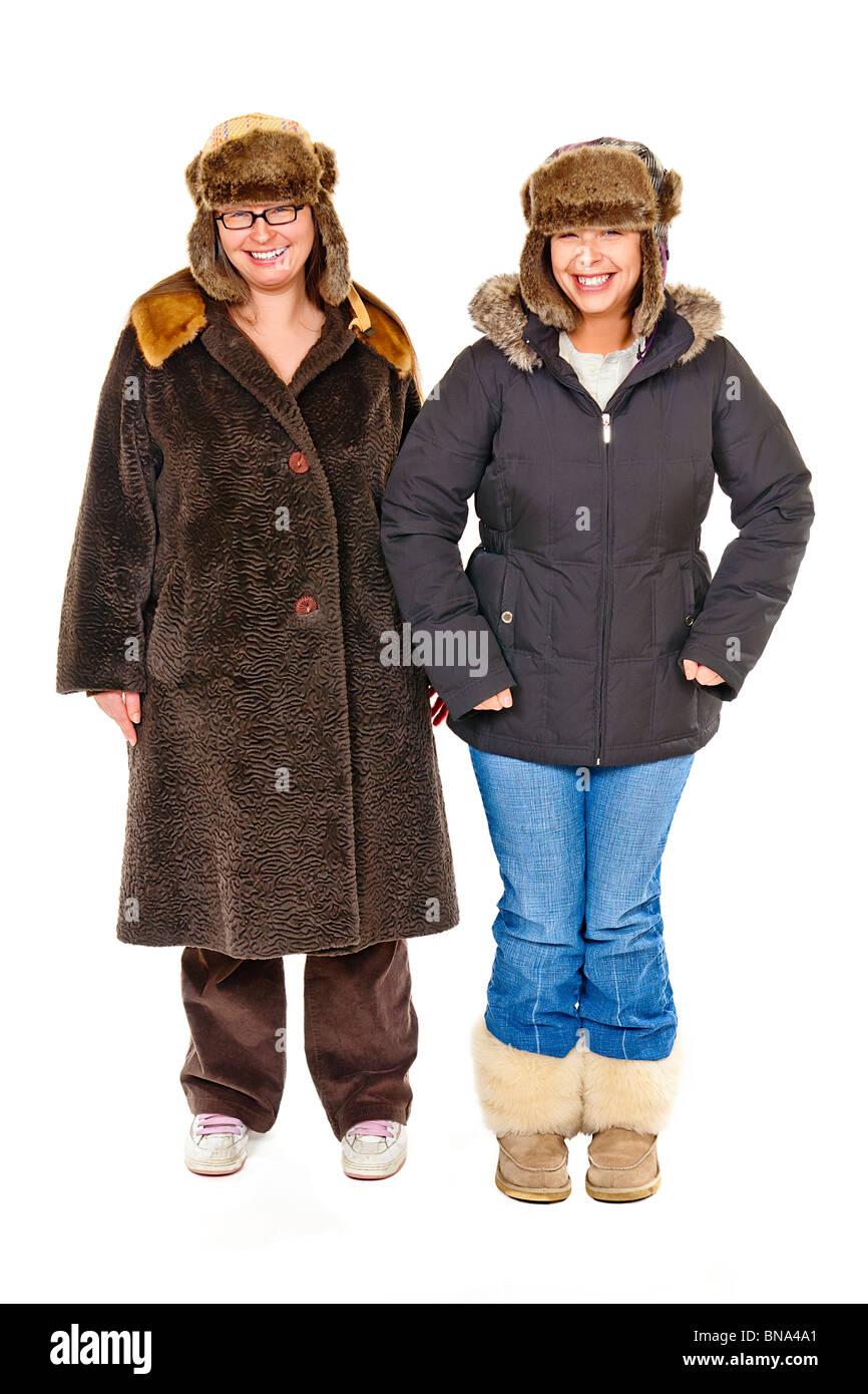 low priced 2d432 d1a6b Due donne abbigliate in russo cappelli e cappotti pesanti ...
