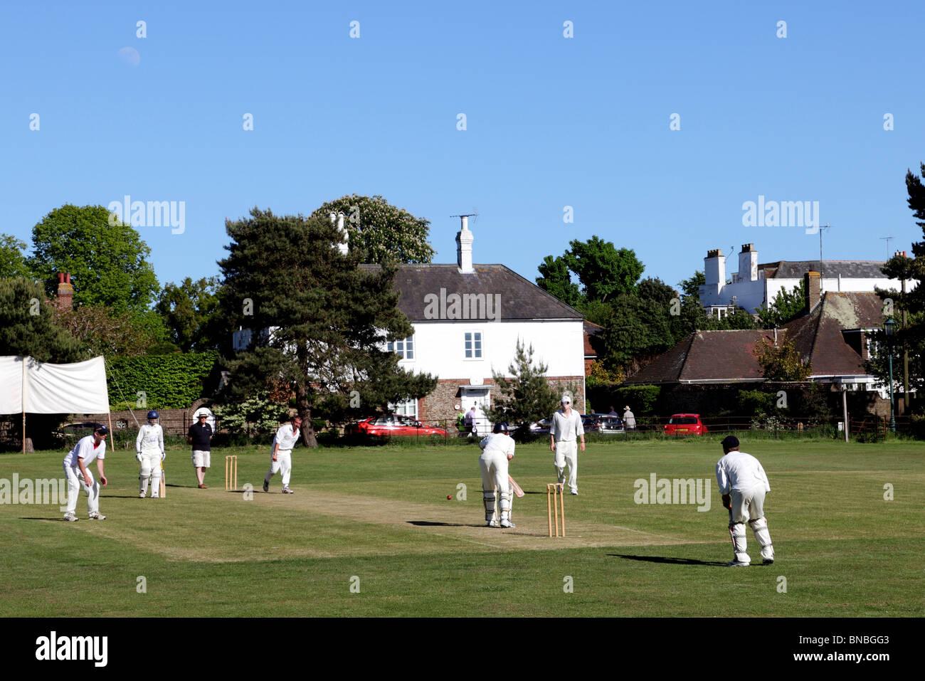 3208. Village Cricket, Winchelsea, East Sussex, Regno Unito Immagini Stock