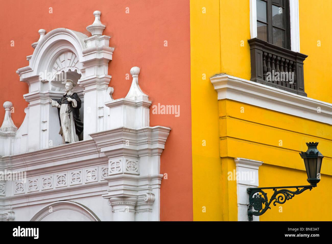 Close-up di un edificio conventuale, contento di Santo Domingo Santo Domingo, Lima, Peru Immagini Stock