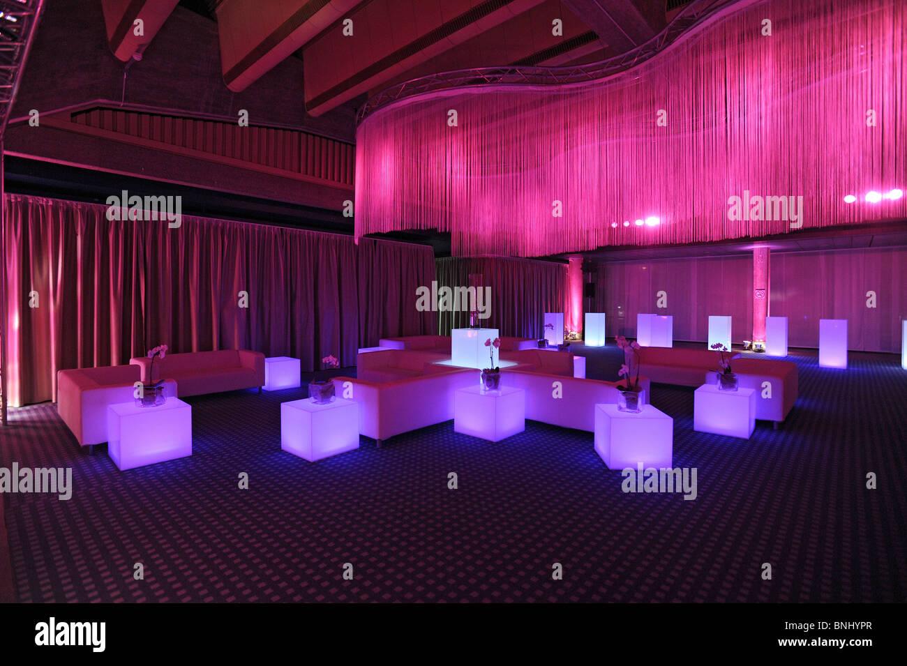 Evento società sera night club lounge sala partito illuminazione